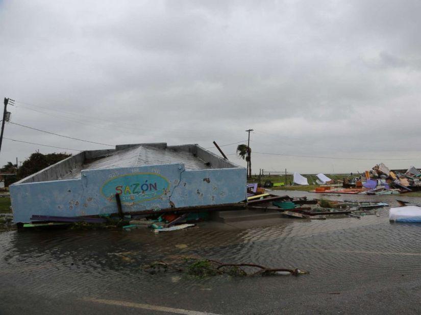 hurricane-harvey-rockport-9160-2-abc-jt-170826_4x3_992 (1)
